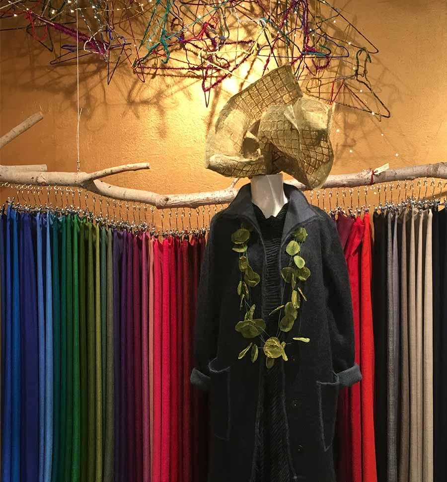 botiga-okb-barcelona-cadaques-pashminas-joyas-joies-jewellery