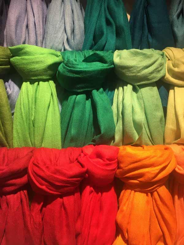 pashmimas-y-chals-de-okb-tienda-ropa-i-accesorios-barcelona-y-cadaques (16)